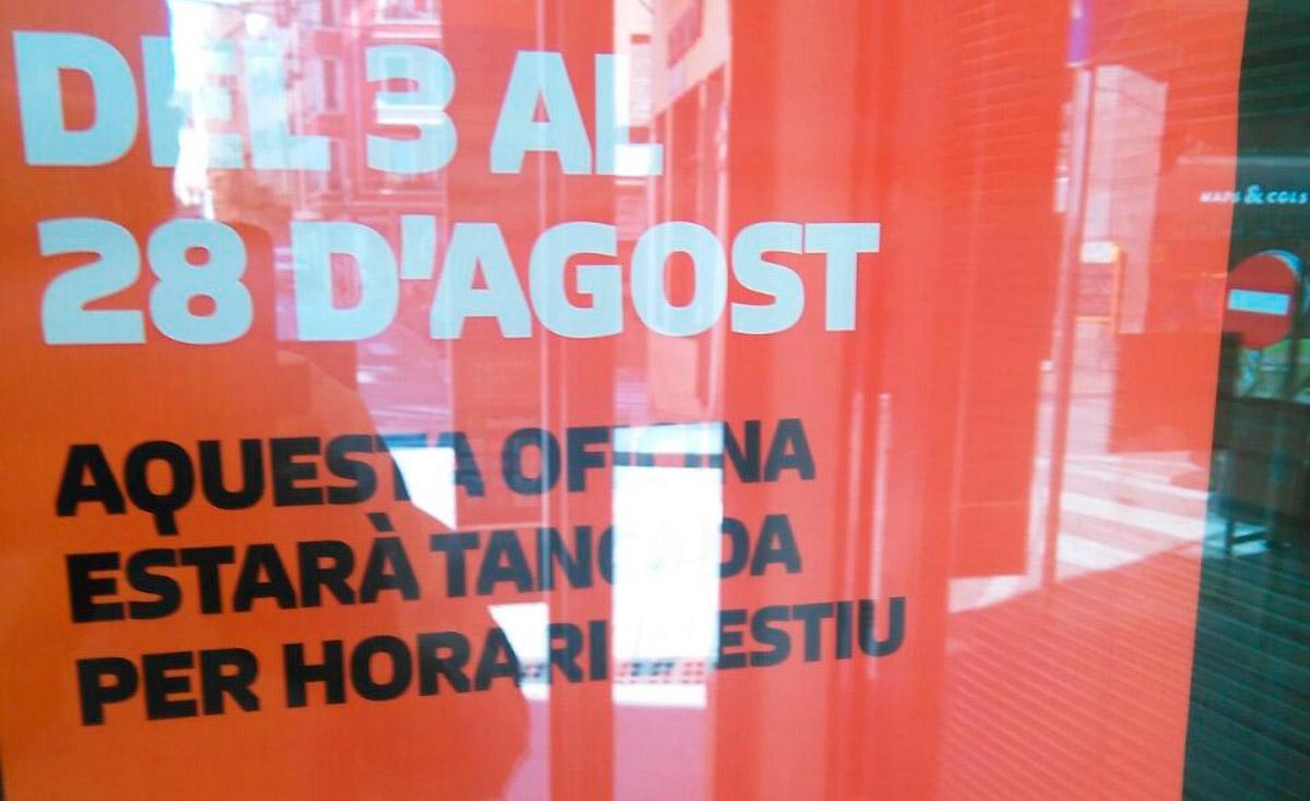 Els ve ns del nucli antic de tortosa for Oficina catalunya caixa